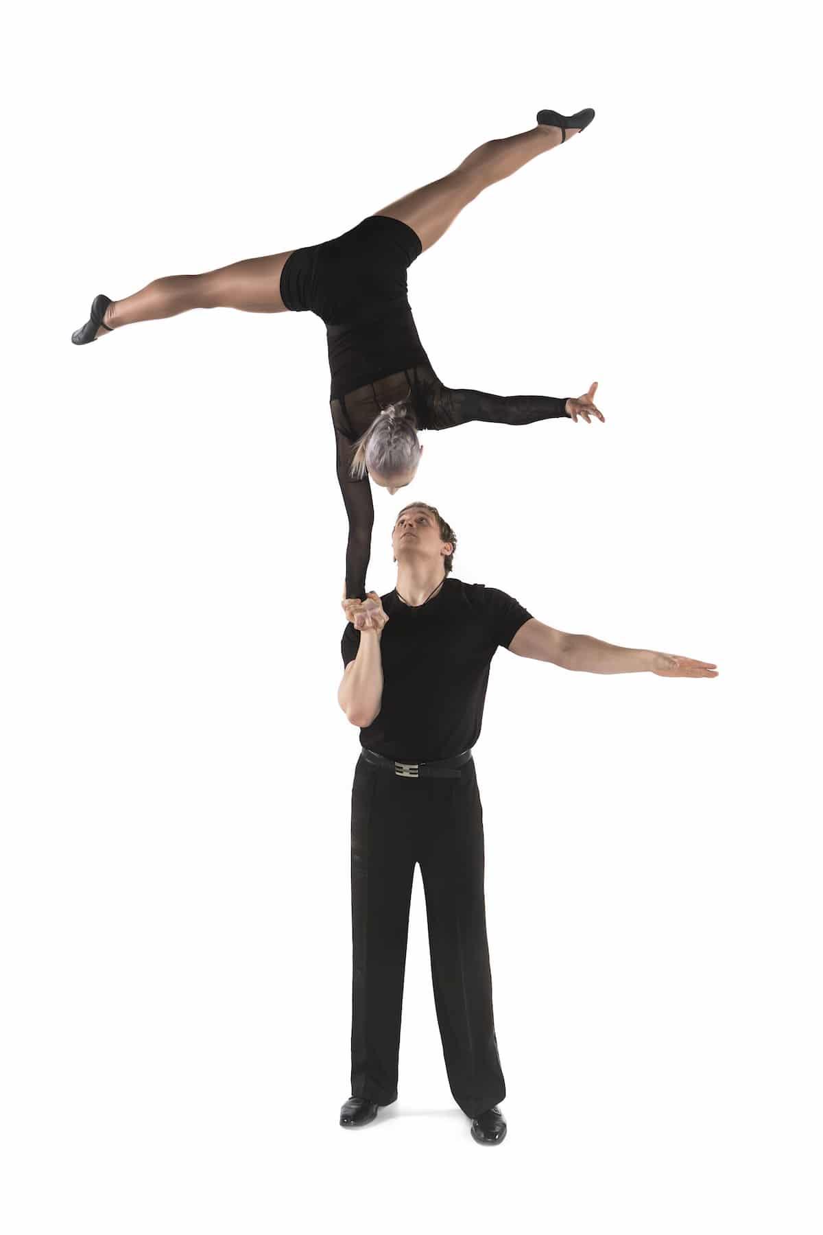 Magician Lauri doing partner acrobatics