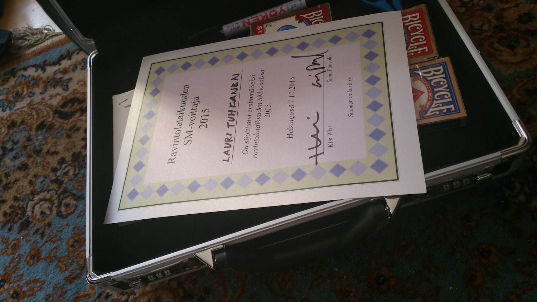 Salkku ja mestaruus diplomi